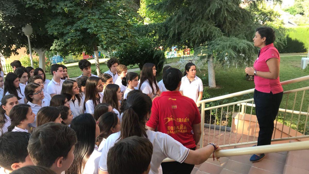 Alumnado de 1ºESO en su visita a Madres Adoratrices