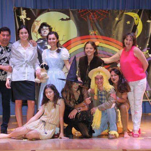 Foto de grupo de los participantes en la actividad